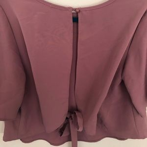 CHARLOTTE RUSSE | Crop top with open tie back | M